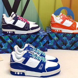 广州工厂货源男女鞋  专供微商招代理 一件代发图片